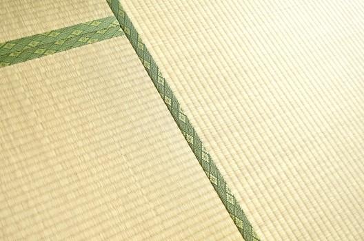 畳の臭いを消したい!においの原因別の対処法・畳の臭いの予防方法